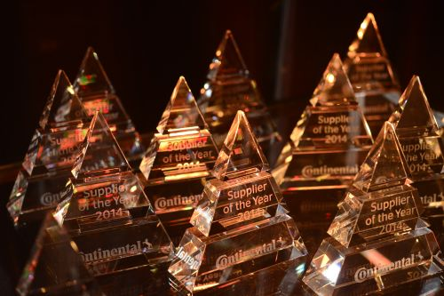 Continental_img_2015_07_08_supplier_of_the_year_uv-data_500